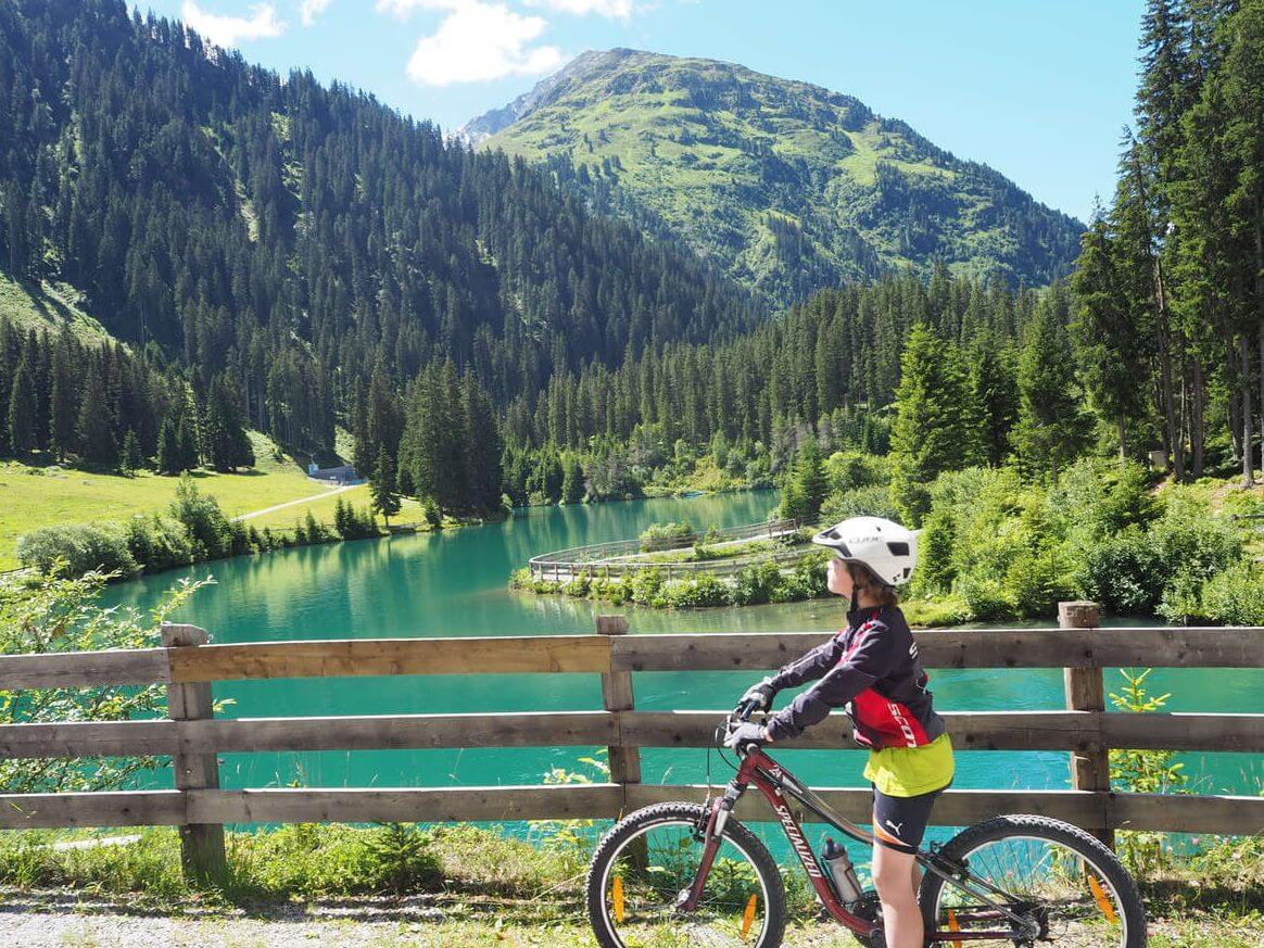 Mit Kindern am Arlberg - Beitrag auf Bergwelten.com