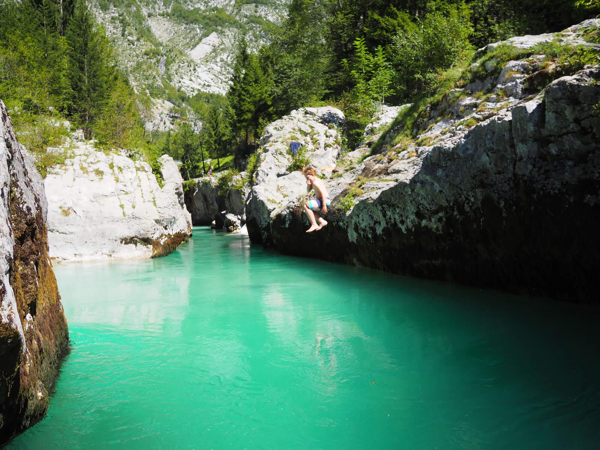 Gumpenspringen an der Soca I alpinonline